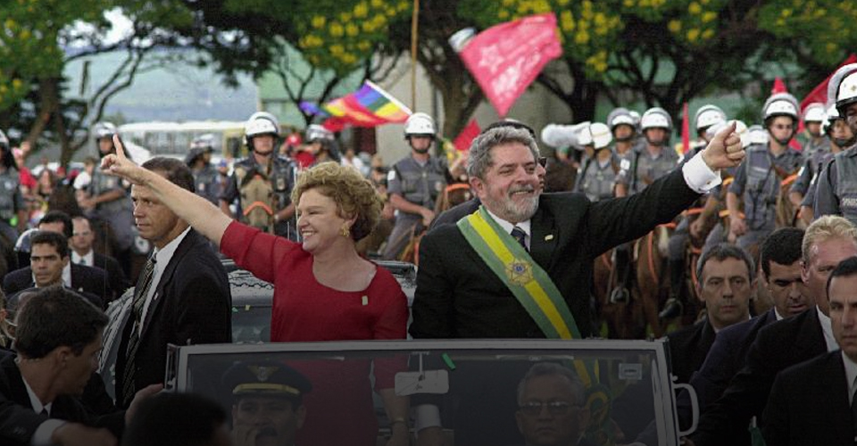 01.01.2003 – Lula toma posse como presidente do Brasil