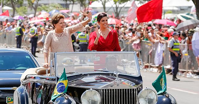 1.01.2015 – Dilma é reeleita presidenta da República