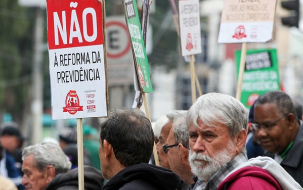1b01efcbe Leia mais. Rumo à greve geral, centrais convocam trabalhadores para 1º de  maio histórico · Trabalhadores se mobilizam em ...