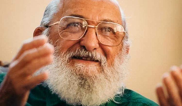 Artigo: Centenário de Paulo Freire, o mestre de todos nós educadores    Partido dos Trabalhadores
